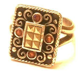 Vintage sterling ring garnets